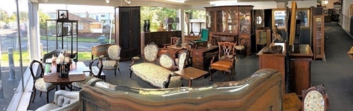 ESTATE & COLLECTABLE AUCTION